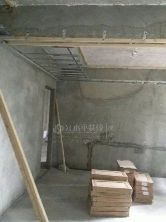 成都珠江御景湾陈先生家装修木工做吊顶