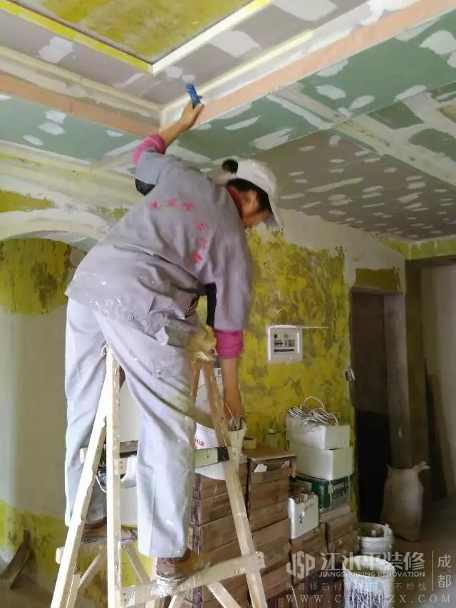 成都龙湖金楠天街敬先生漆工及瓦工施工
