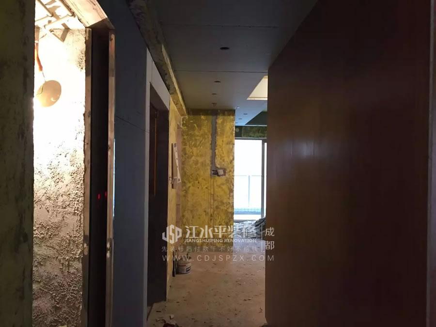 成都南城都汇杨姐家木工张师傅现场木作装修完工