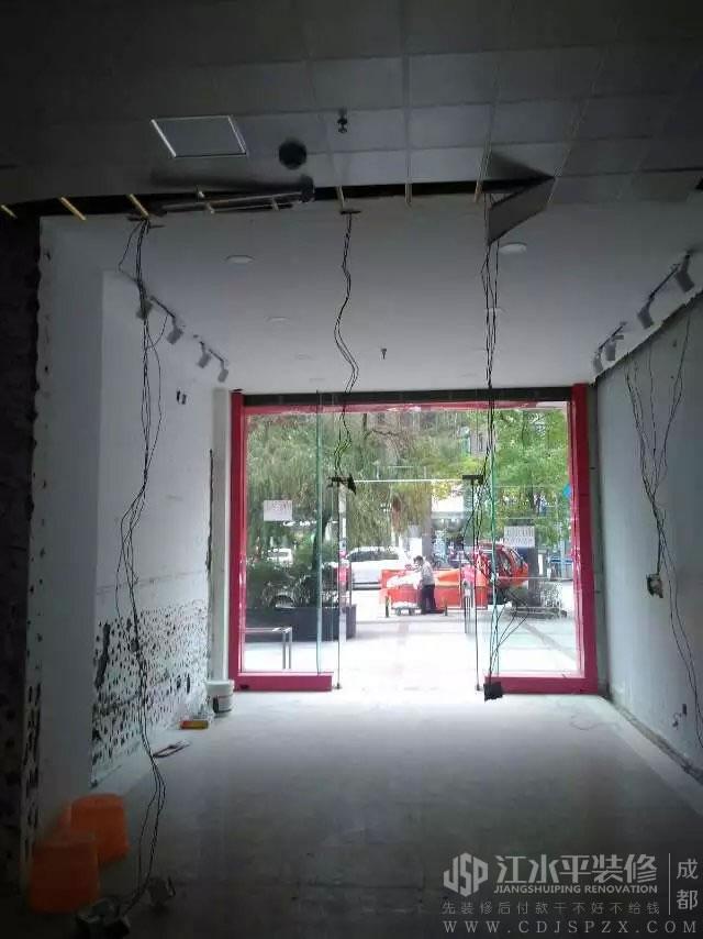 成都店铺装修一朵服装店木作改造结束