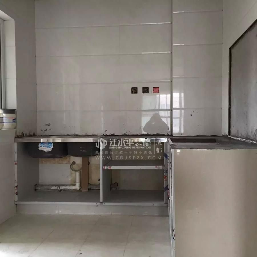 成都保利城三期赵先生装修砖砌橱柜基层完成