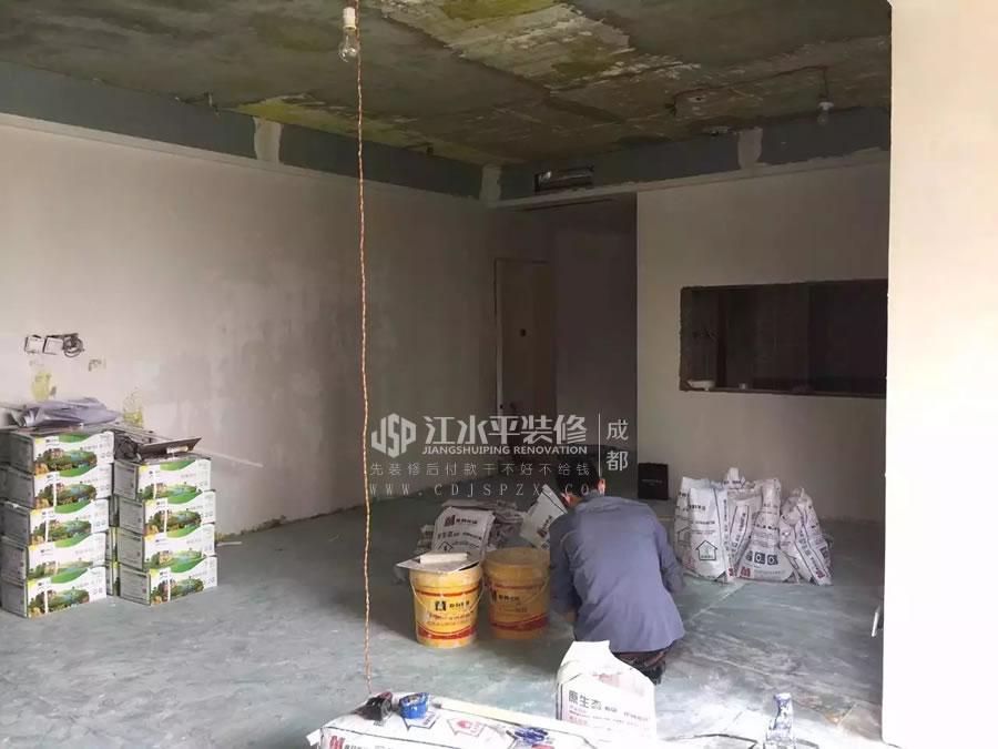 成都华润二十四城装修木作,贴砖完成,漆工刮墙了