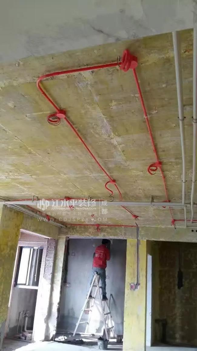江水平说吊顶和水管走顶上的优缺点