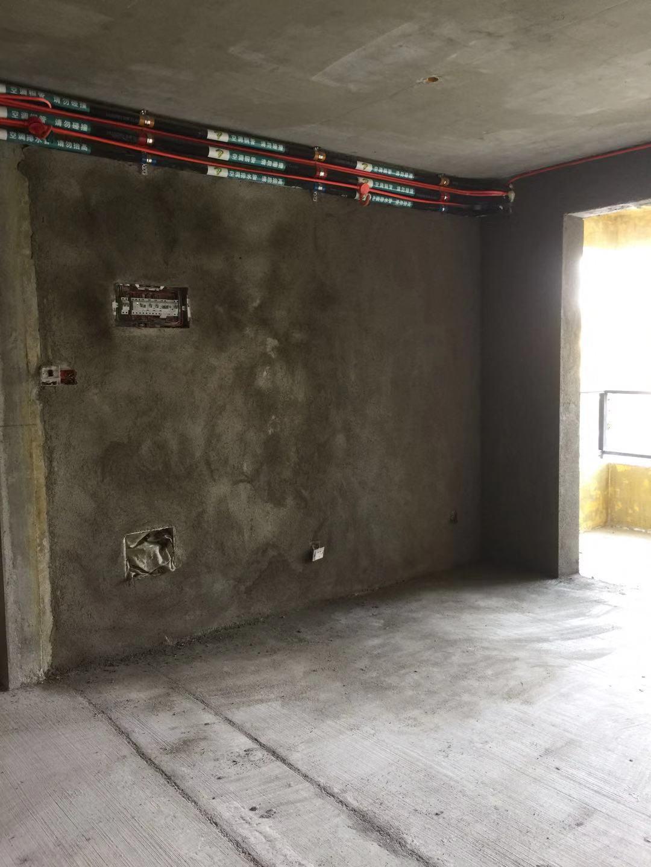 成都保利玉湖苑装修日记客厅沙发背景墙补烂
